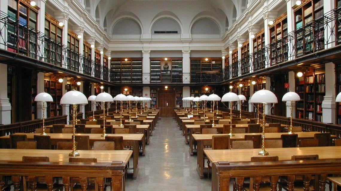 Salle de lecture de la bibliothèque de l'Université de Graz